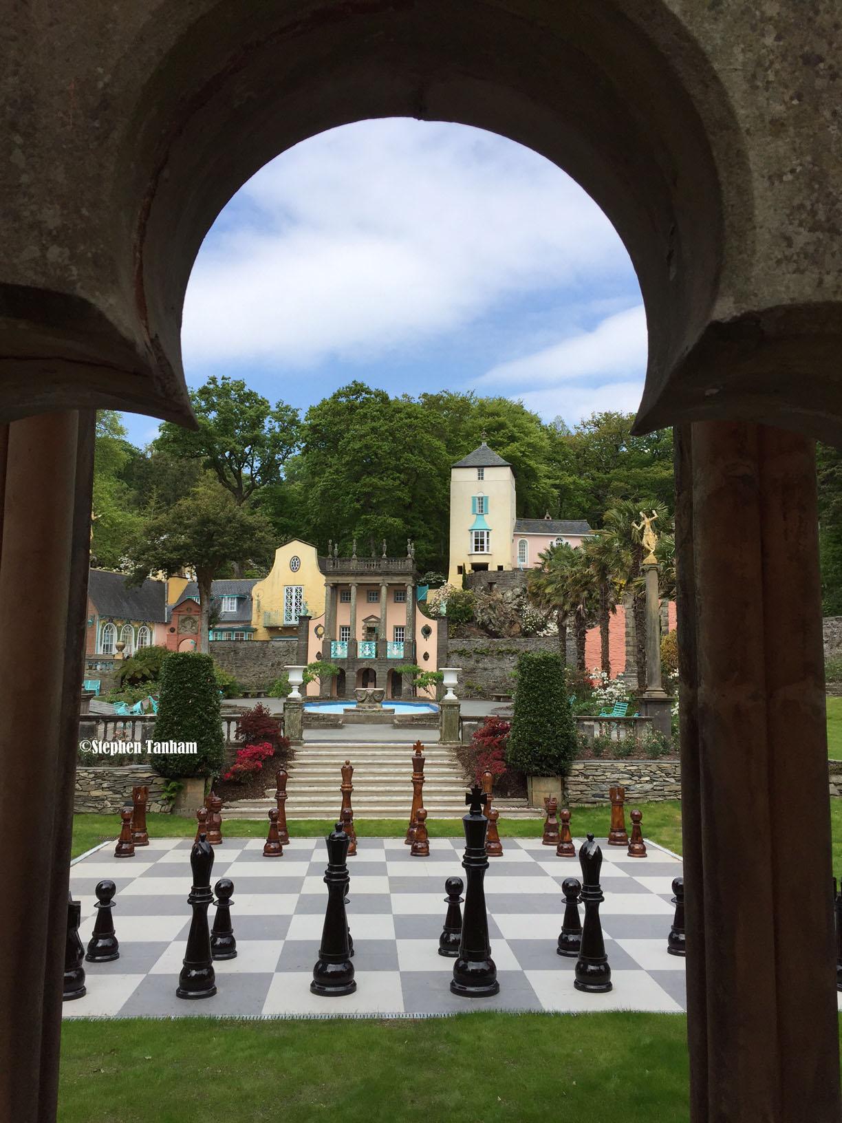 Chess thru arch colour