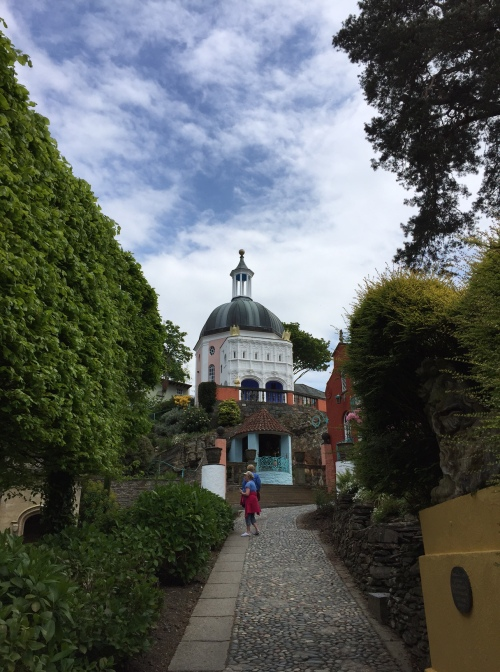 Portmeirion taxi road and dome