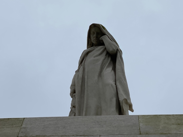 This image has an empty alt attribute; its file name is vimy-ridge-symbolic-figure-of-canada-1.jpg
